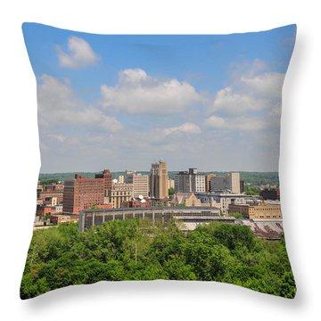 D39u118 Youngstown, Ohio Skyline Photo Throw Pillow