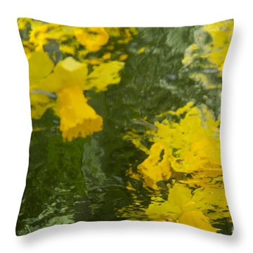 Daffodil Impressions Throw Pillow