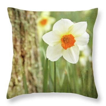 Daffodils, No.1 Throw Pillow