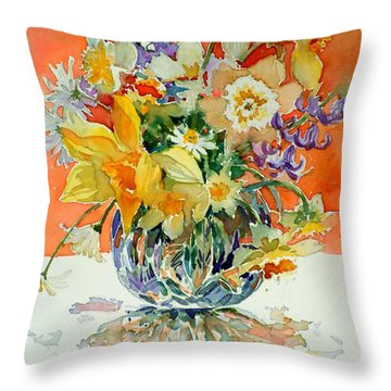 Daffs And Daisies Throw Pillow