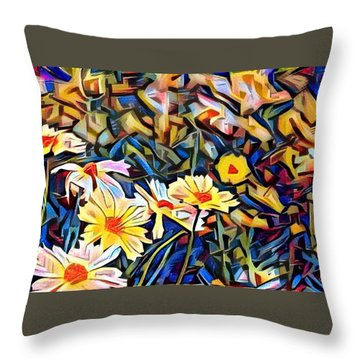 Daisy Dream Throw Pillow