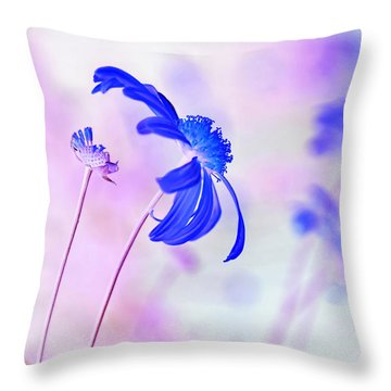 Daisy In Blue Throw Pillow by Kaye Menner