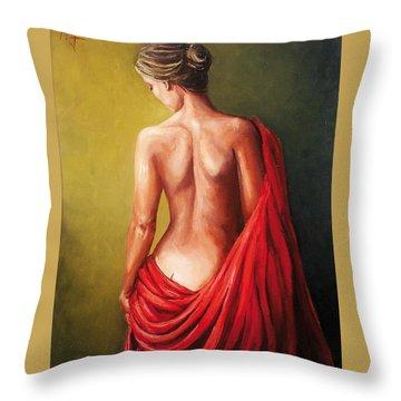 Dama De Rojo Throw Pillow