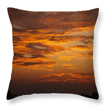 Dawn On Gaither Mountain At Ponca Wilderness Throw Pillow