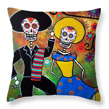 Day Of The Dead Bailar Throw Pillow