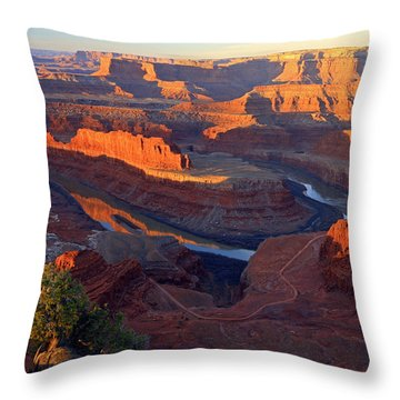 Daybreak At Dead Horse Point. Throw Pillow by Johnny Adolphson