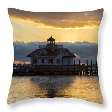 Daybreak Over Roanoke Marshes Lighthouse Throw Pillow