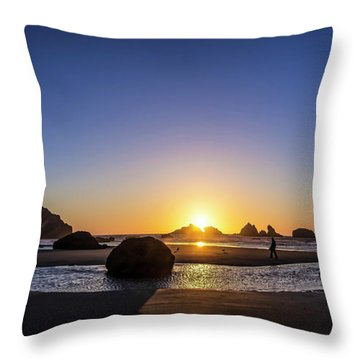 Day's End At Bandon Throw Pillow