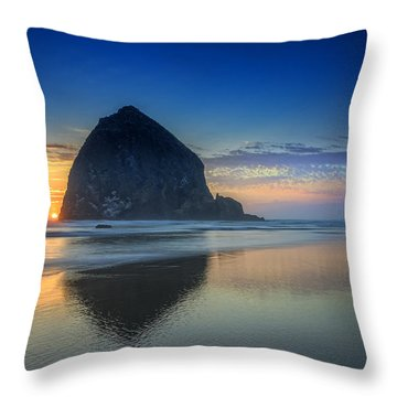Day's End In Cannon Beach Throw Pillow