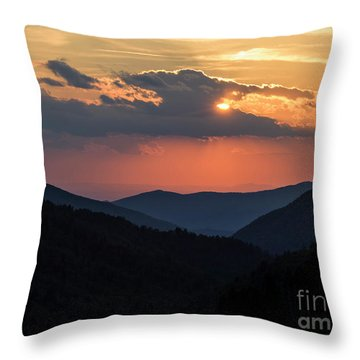 Throw Pillow featuring the photograph Days End In The Smokies - D009928 by Daniel Dempster