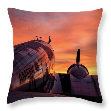 Dc-3 Dawn - 2017 Christopher Buff, Www.aviationbuff.com Throw Pillow