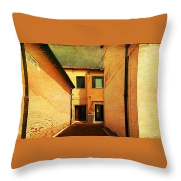 Throw Pillow featuring the photograph Dead End by Anne Kotan