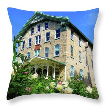 Dec Building Cape Vincent Ny Throw Pillow
