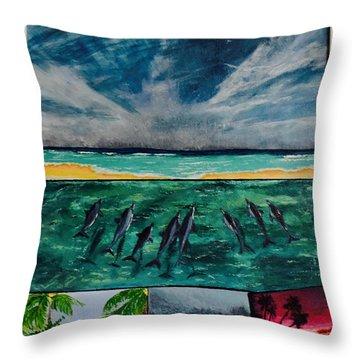 Delfin Throw Pillow