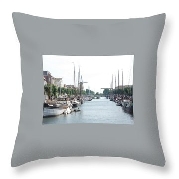 Delfshaven Throw Pillow