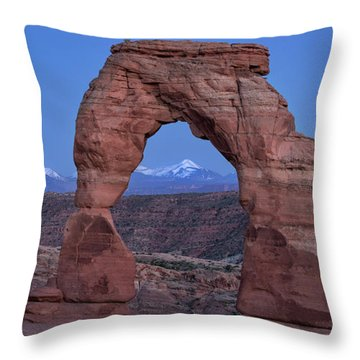 Delicate Arch At Twilight Throw Pillow