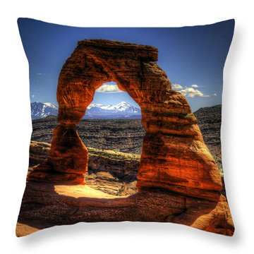 Delicate Arch Framing La Sal Mountains Throw Pillow