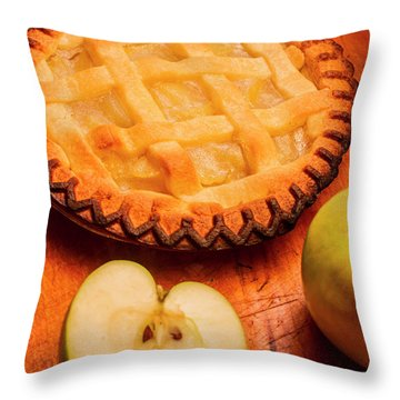 Delicious Apple Pie With Fresh Apples On Table Throw Pillow