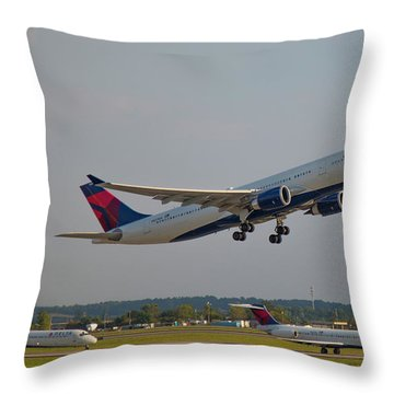 Delta Airlines Jet N827nw Airbus A330-300 Atlanta Airplane Art Throw Pillow