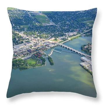 Depere 5 Throw Pillow