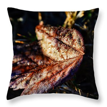 Dew Drops Sparkling And Showing Life On A Leaf -georgia Throw Pillow