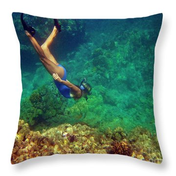 Diving For Shells Throw Pillow