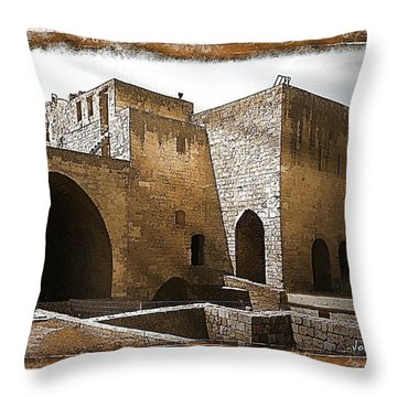 Do-00422 St Gilles Citadelle Throw Pillow