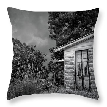 Don't Come Knockin' Throw Pillow by Wallaroo Images