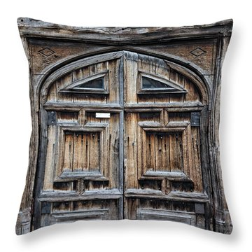 Door To Henry Viii Hunting Lodge - Color Throw Pillow