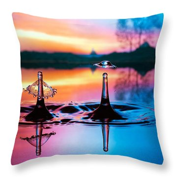 Double Liquid Art Throw Pillow