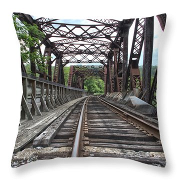 Double Truss Bridge #1679 On The Wmsr Throw Pillow by Jeannette Hunt