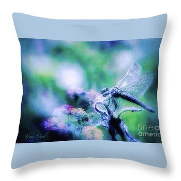 Dragonfly On Lantana-blue Throw Pillow