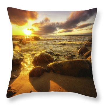 Drama On The Horizon Throw Pillow