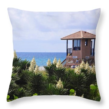 Dune Yucca Throw Pillow