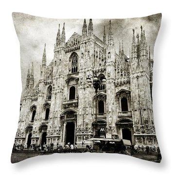 Duomo Di Milano Throw Pillow by Laura Melis