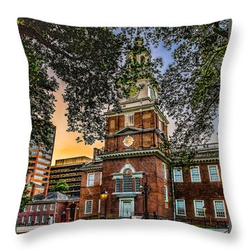 Dusk At Independence Hall Throw Pillow