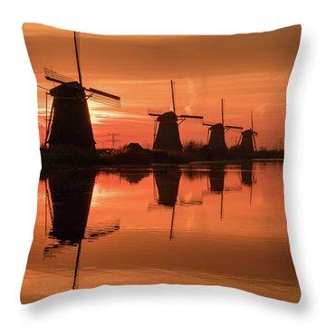 Dutch Sillhouette Throw Pillow