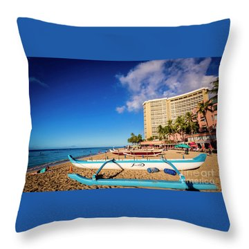 Early Morning At Outrigger Beach,hawaii Throw Pillow