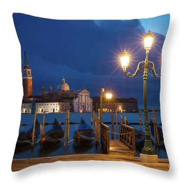 Throw Pillow featuring the photograph Early Morning In Venice by Brian Jannsen