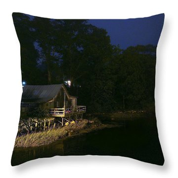 Early Morning On The River Throw Pillow
