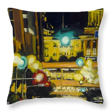 East 13th And Locust St Des Moines Throw Pillow