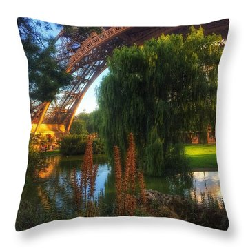 Eiffel Throw Pillow