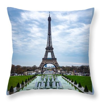 Eiffeltower From Trocadero Garden Throw Pillow