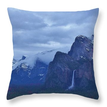 Throw Pillow featuring the photograph El Capitan From Artist Point I by Phyllis Spoor