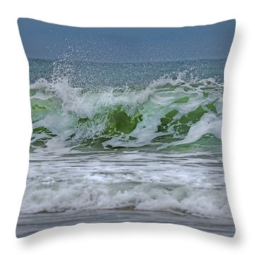 Foaming Throw Pillows