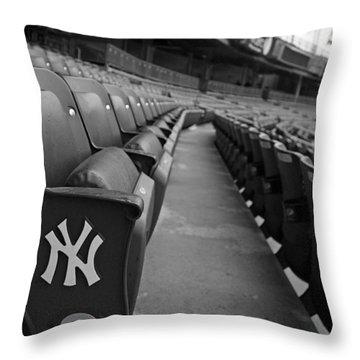 New York Yankees Throw Pillows