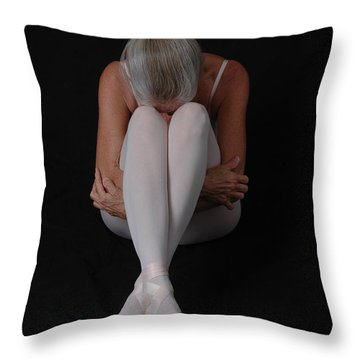 Throw Pillow featuring the photograph En Pointe Finis by Nancy Taylor