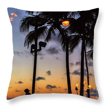 End Of The Beutiful Day.hawaii Throw Pillow