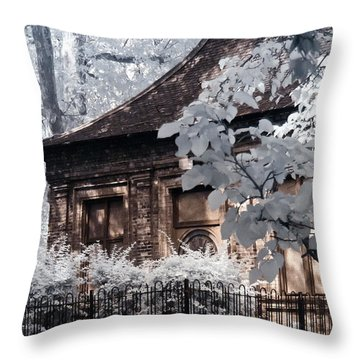 English Garden House Throw Pillow