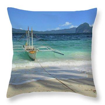 Entalula Island Throw Pillow